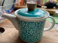 house cleaning, great quality Chinese porcelain tea pot