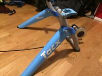 Tacx Satori Turbo Trainer + Skyliner stand + Skewer