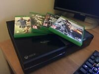 Mint Condition Xbox one W/ Fallout 4, GTA5, Fifa 15 & Battlefield 4