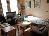 One Bedroom Flat For Sale on Bath Road In Hounslow - John barter House - REDUCED
