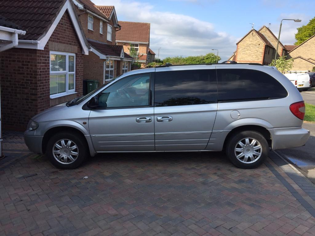 2006 chrysler grand voyager limited xs crd 2 8 stow go diesel satnav dvd in duffield. Black Bedroom Furniture Sets. Home Design Ideas