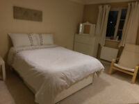 FURNISHED SPACIOUS CLEAN EN-SUITE ROOMS & DOUBLE ROOM IN A PROFESSIONAL HOUSE SHARE AVAILABLE NOW.