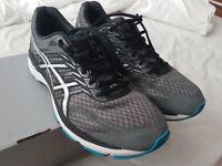 Asics GT-2000 5 (2E Width) UK Size 10 Running Shoes