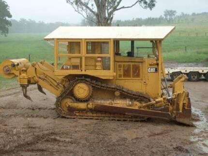 Earthmoving Dozers Excavators Graders Trucks Rollers Water Tanks Gayndah North Burnett Area Preview