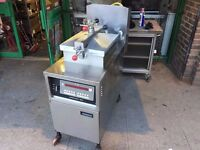 CATERING COMMERCIAL HENNY PENNY GAS 8000 PRESSURE FRYER CHICKEN FRIED FOOD TAKE AWAY RESTAURANT SHOP