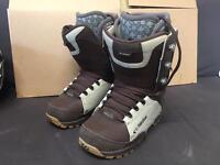 32 lashed snowboard boots size 8.5 / 42.5