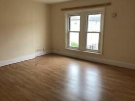 STILL AVAILABLE. Large modern central southsea flat, newly renovated, NO ADMIN FEES, 2 bed, parking