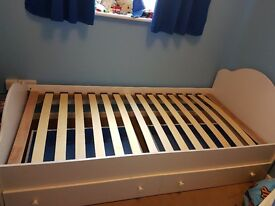 Kids single bed (mattress and topper optional)