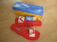 Designer Dionne Flip Flops size 6 BRAND NEW