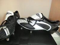 UMBRO FOOTBALL BOOTS SIZE 8.5