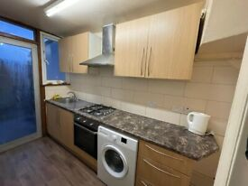 4 BEDROOM END OF TEARS HOUSE WITH REAR GARDEN AND GARAGE IN STONE BRIDGE PARK
