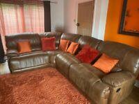 Corner recline sofa