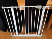 Hauck pressure fittings stair gate with extension