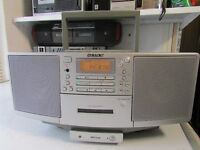 SONY PORTABLE CD CASSETTE PLAYER TUNER SONY ZS-DS FULL WORKING ORDER £20