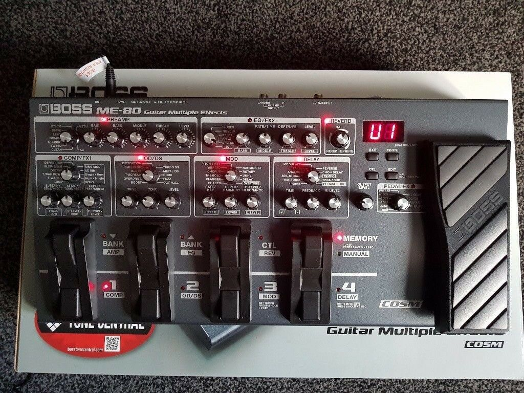 boss me 80 multi effects pedal boxed with manual power supply in plymouth devon gumtree. Black Bedroom Furniture Sets. Home Design Ideas