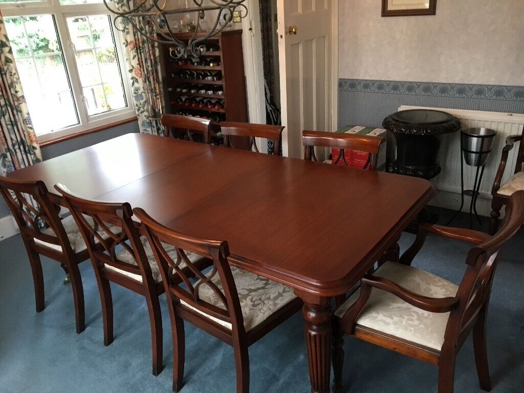 Brights of Nettlebed classic mahogany dining table and eight