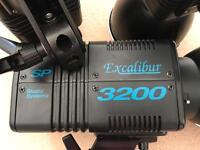 Excalibur 3200 Studio Systems lights x3