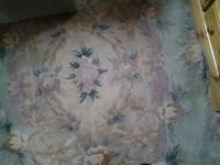 rug large green with flowers good condition