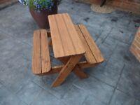 Childrens picknik bench