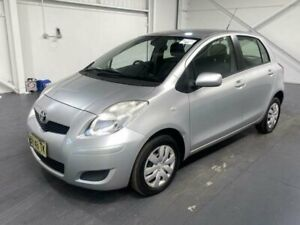 Toyota Yaris YR 2010 5 speed manual only 100,000km - 8 months rego