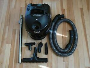 Zelmer 1500 Vacuum Cleaner NEW in box
