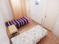 Bed in a twin shared room in a nice house near to Stratford station, all bills included