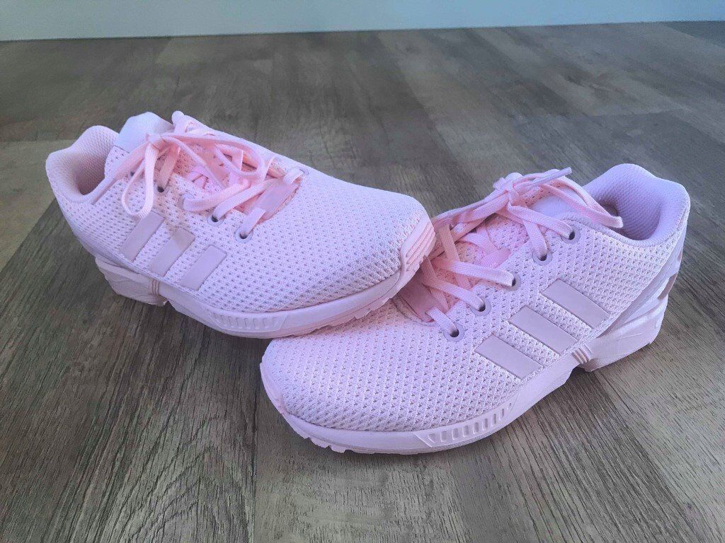 buy online d5a10 dcb9f Brand new, Genuine ladies peach coral Adidas Zx Flux trainers. Size 5
