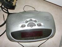 MATSUI Radio with clocl alarm