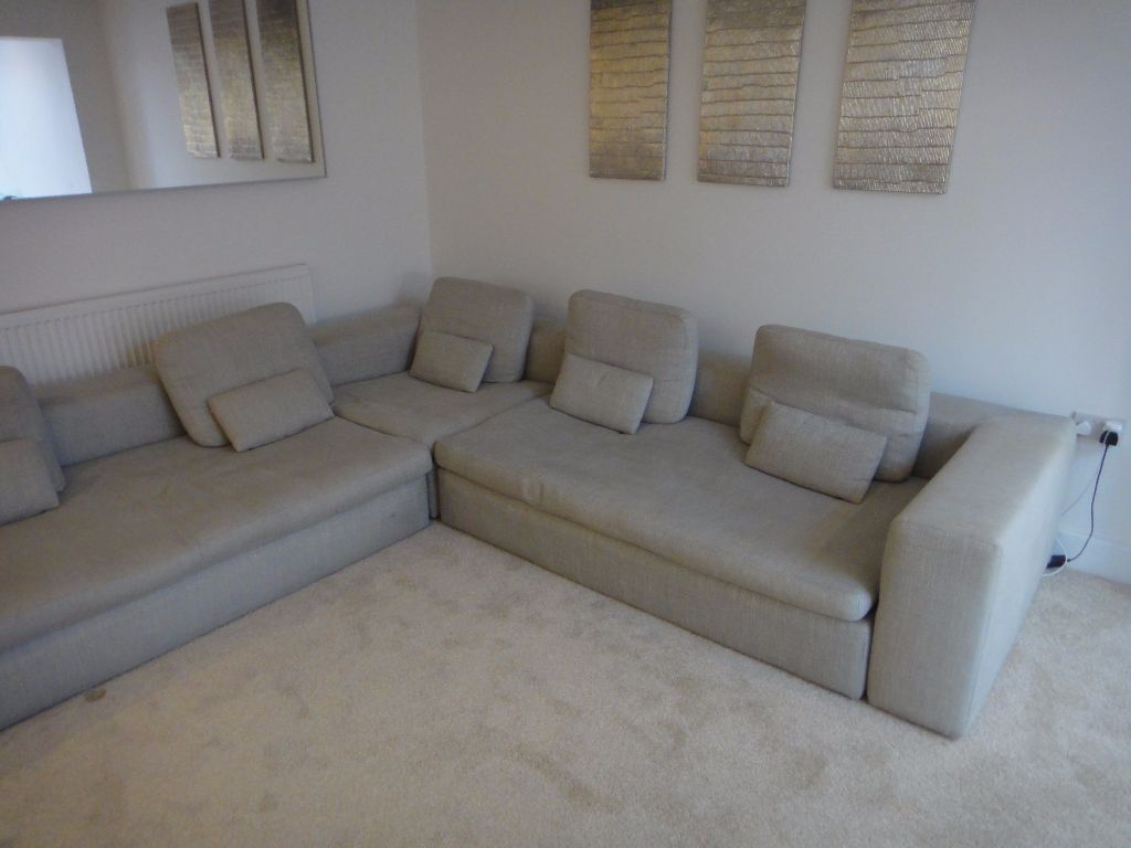 habitat sidney large 8 seater corner sofa light grey in