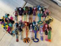 Large bundle of monster high dolls
