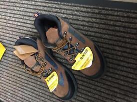 Hi-Tec safe hike composite safety work shoes