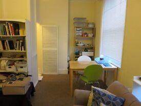 WestHampstead 1DoubleBedroomFlat,En-suite Bathroom3minutes Zone2, £260p.w.
