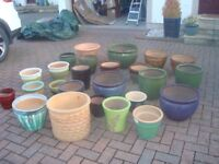 Outstanding selection of plant pots in various sizes and colours - pristine condition