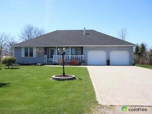 $387,500 - Bungalow for sale in Bayfield
