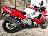 YAMAHA THUNDERACE YZF 1000R FOR SALE IN SHOWROOM CONDITION OPEN TO OFFERS