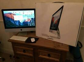 Apple iMac 21.5 inch Late 2015 *As New Condition*