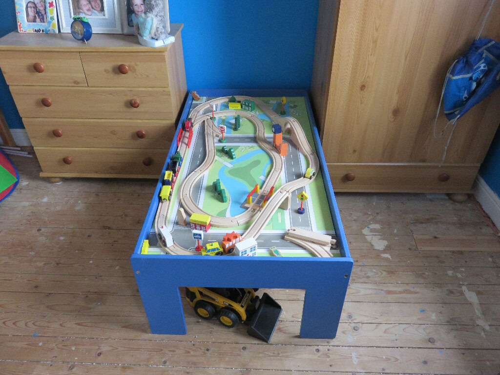 Rocking crib for sale doncaster - Kids Wooden Push Along Train Set On Stand