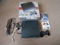 PlayStation 3 Slim (250gb) 2 Games