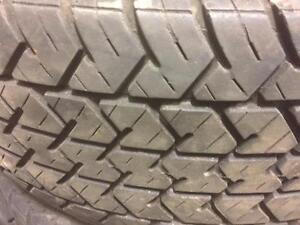 4 pneus d'été, 195/60/14, LEE Radial, Turbo Action, 50% d'usure, 5-6/32 de mesure.