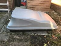 Large Autoplas lockable car roof top box for waterproof travelling storage