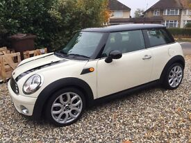 Immaculate Mini Cooper with chilli pack. Low mileage. FSH. 10 months MOT. 18 inch alloy wheels