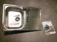 Single Bowl Kitchen Sink with Mixer Taps, Flexi Hoses and Fixings