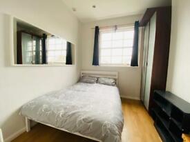 Studio flat in Offord Road, Islington