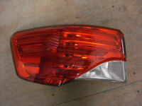 TOYOTA AVENSIS - REAR TAIL LIGHT