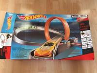Hot wheels 6in 1 track