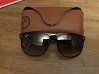 Ray-Ban sunglasses with case. Model rb4147 polarized 710/51