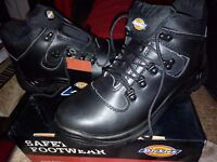 Brand new size 11 safety boots