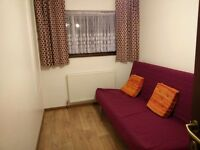 Double room / close to ASDA / Galleria / train station