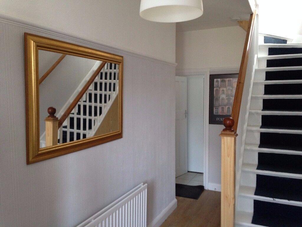 Very nice Double Room in professional female house/ short term is considered