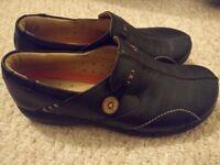 Clark's nurses black leather work shoes 7 (41)